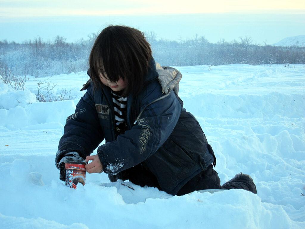 Regina leger i sneen