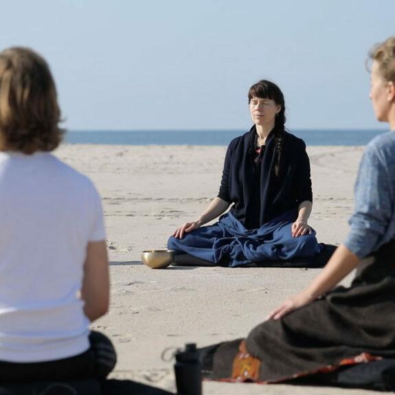 Still29_meditation med Hanneli